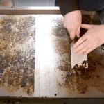 How to clean a professional plancha/griddle